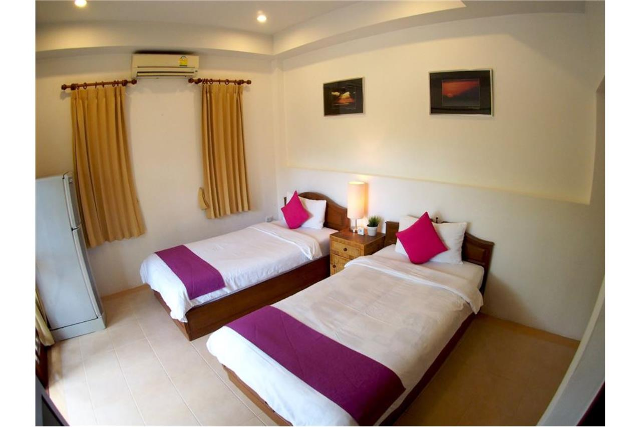 RE/MAX Island Real Estate Agency's Three bedroom  villa, 500 meters to Lamai Beach 16