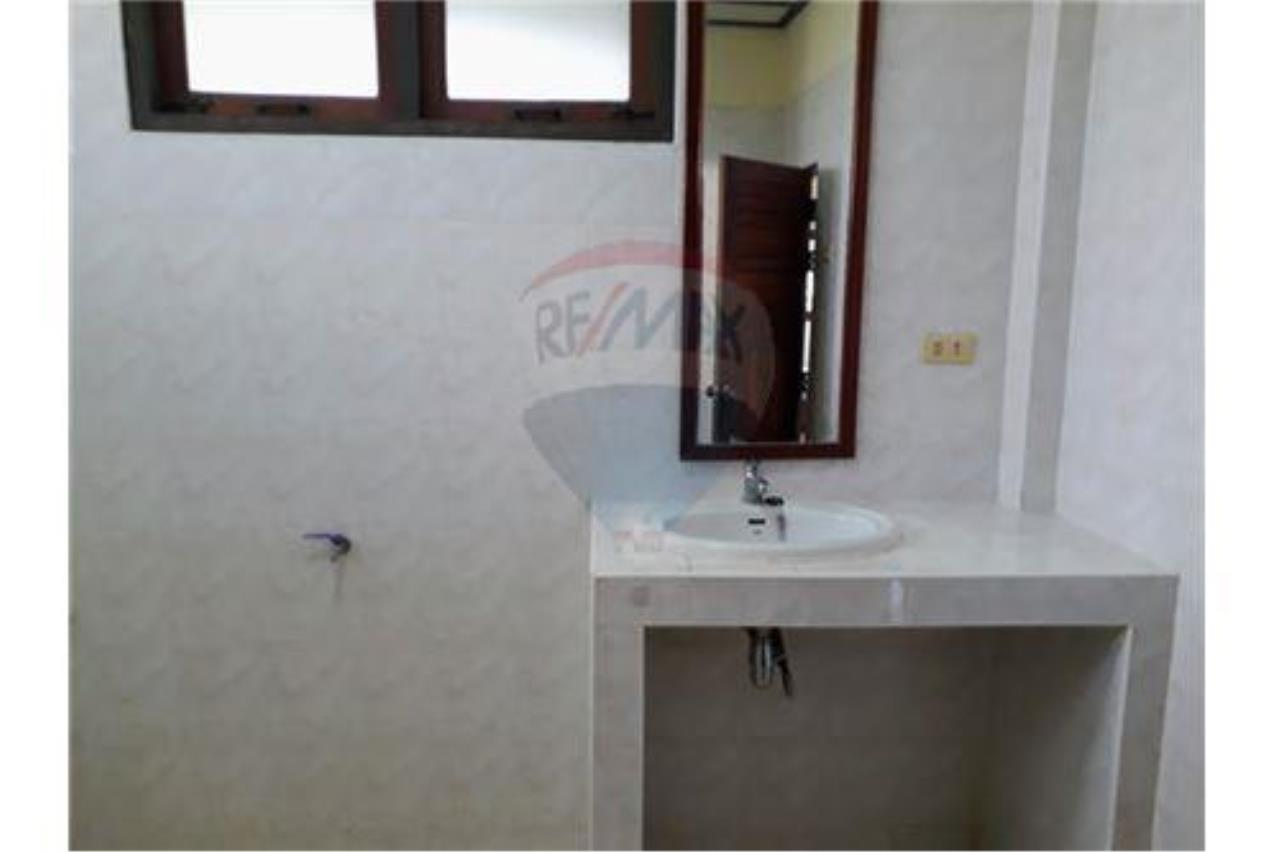 RE/MAX Island Real Estate Agency's 2 Bedroom house for rent in Chaweng 13