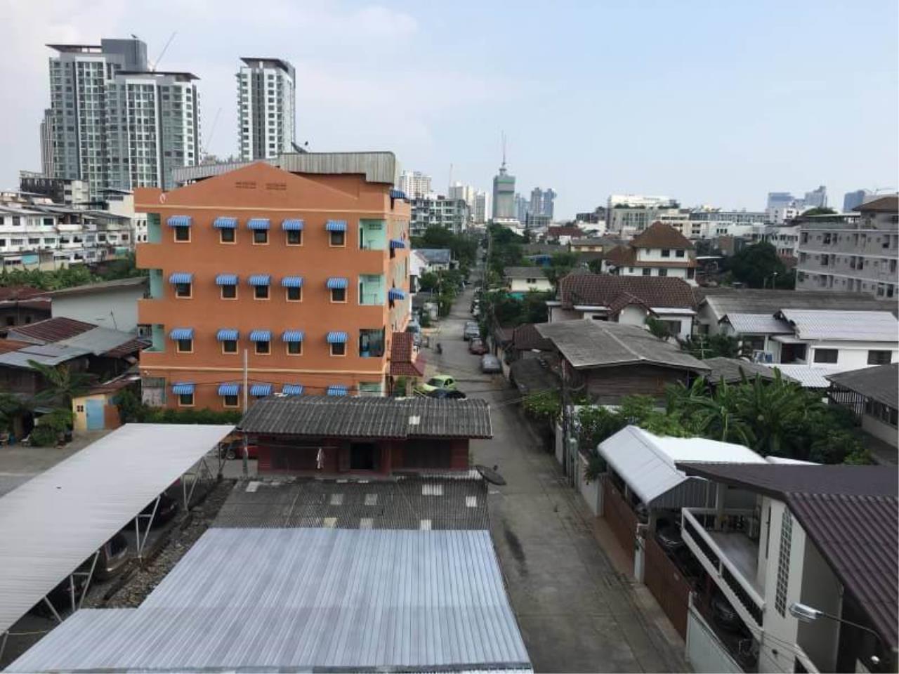 Uptown Assets  Agency's FOR RENT Chateau In Town Sukhumvit 62/1 (BTS Bangjak)   Unit 55/94 Building A 5th Floor 11