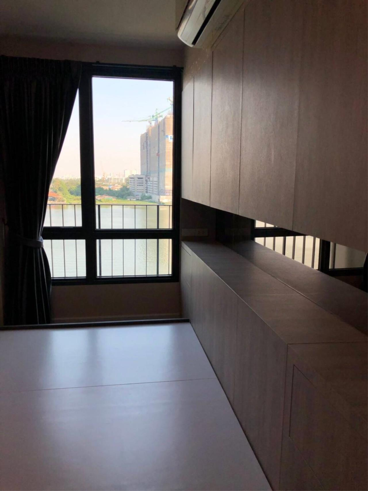 Uptown Assets  Agency's For Sale Metro Luxe Riverfront Unit 202/75 Building E  8th Floor  8