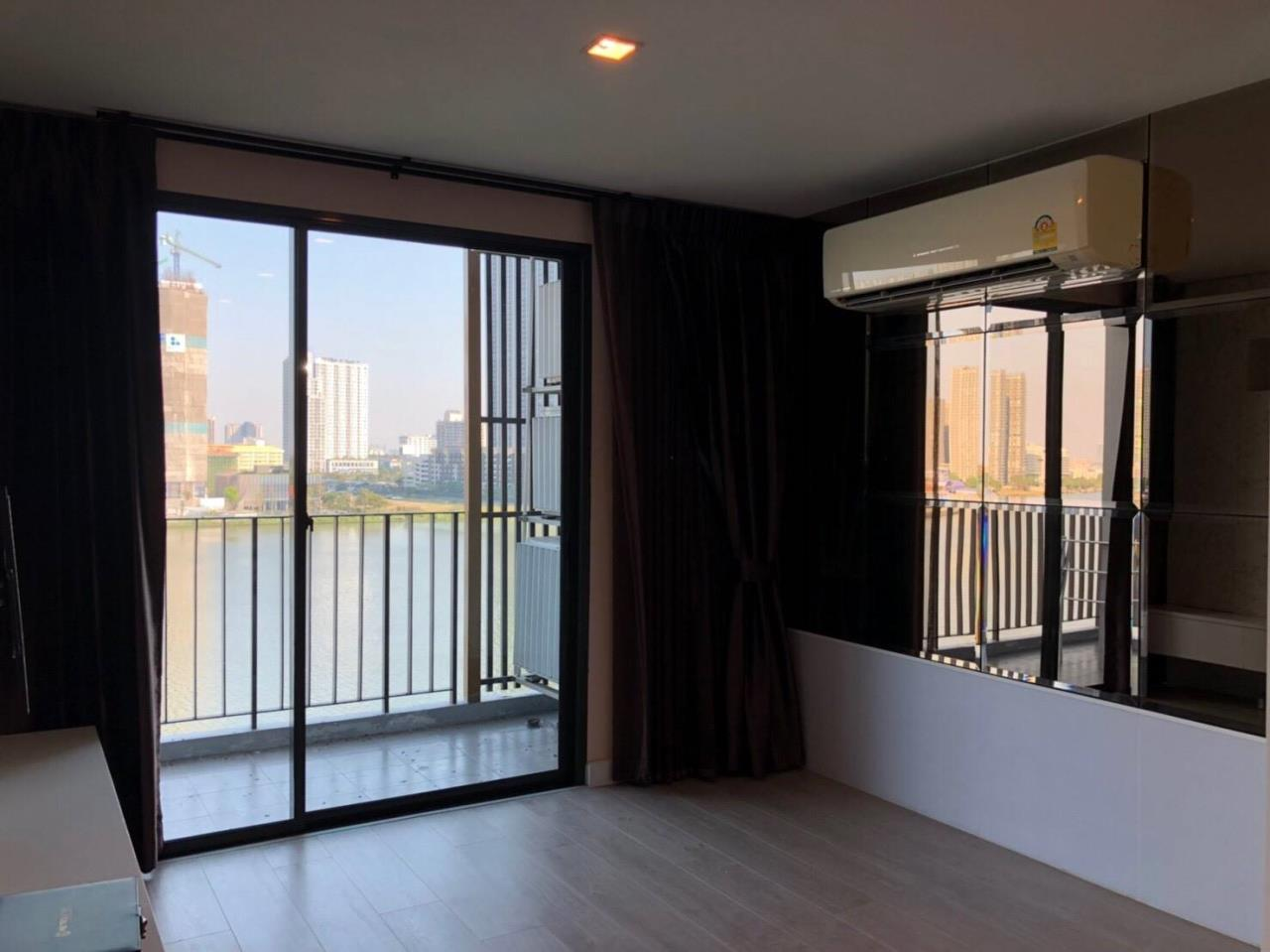 Uptown Assets  Agency's For Sale Metro Luxe Riverfront Unit 202/75 Building E  8th Floor  15