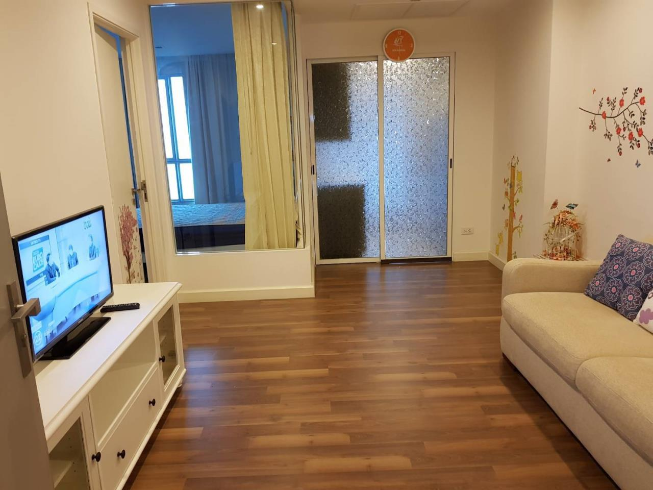 Uptown Assets  Agency's FOR Rent The Room Sathorn-Taksin 1