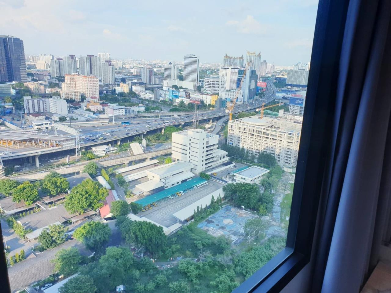 Uptown Assets  Agency's FOR Rent Life Asoke Building A 30th Floor Unit 46/1391 7