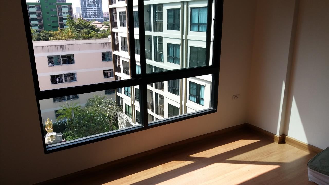 Agent - Ratana Chatthinawat  Agency's Condominium near BTS Baering for rent 1 bedroom 12,000/month 5