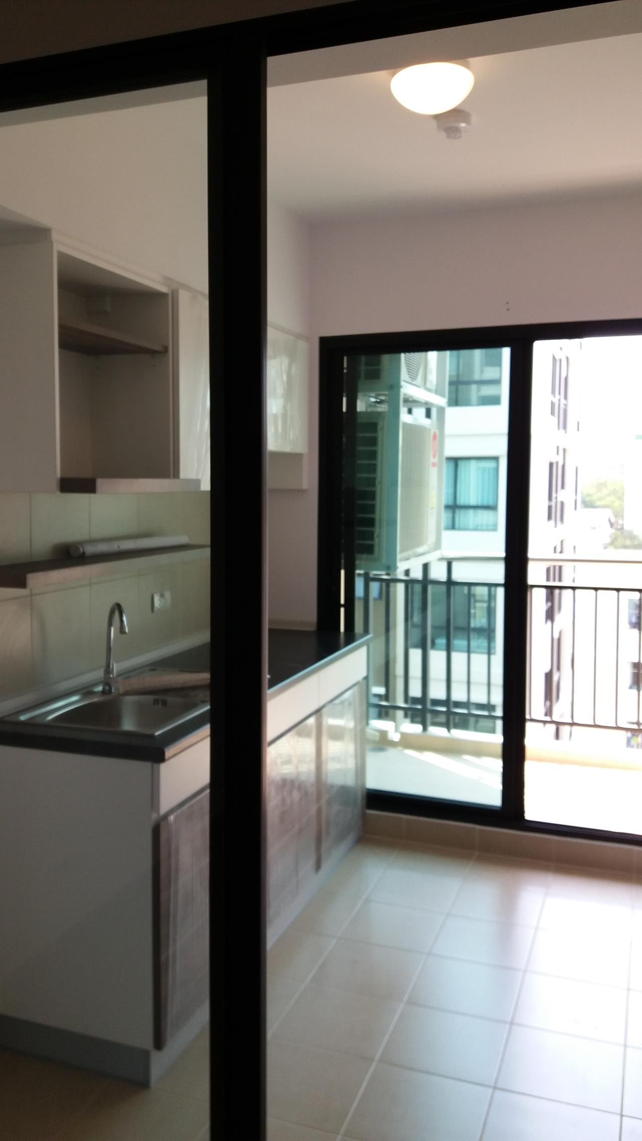 Agent - Ratana Chatthinawat  Agency's Condominium near BTS Baering for rent 1 bedroom 12,000/month 6
