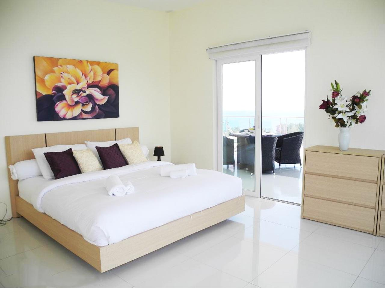 REAL Phuket  Agency's Sunset Plaza - Superb 4-Bedroom Sea View Penthouse in Karon 10