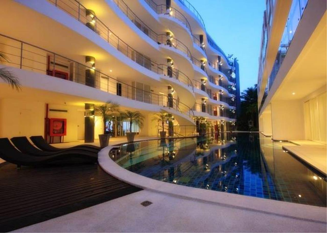 REAL Phuket  Agency's Sunset Plaza - Superb 4-Bedroom Sea View Penthouse in Karon 1