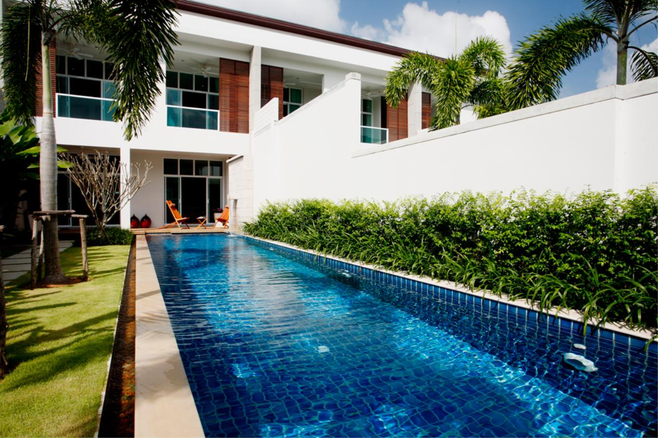 REAL Phuket  Agency's Modern 4-Bedroom Duplex Condominium with Private Pool near Bang Tao Beach 16