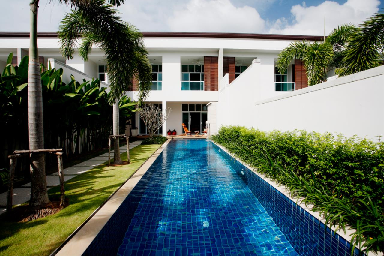 REAL Phuket  Agency's Modern 4-Bedroom Duplex Condominium with Private Pool near Bang Tao Beach 17