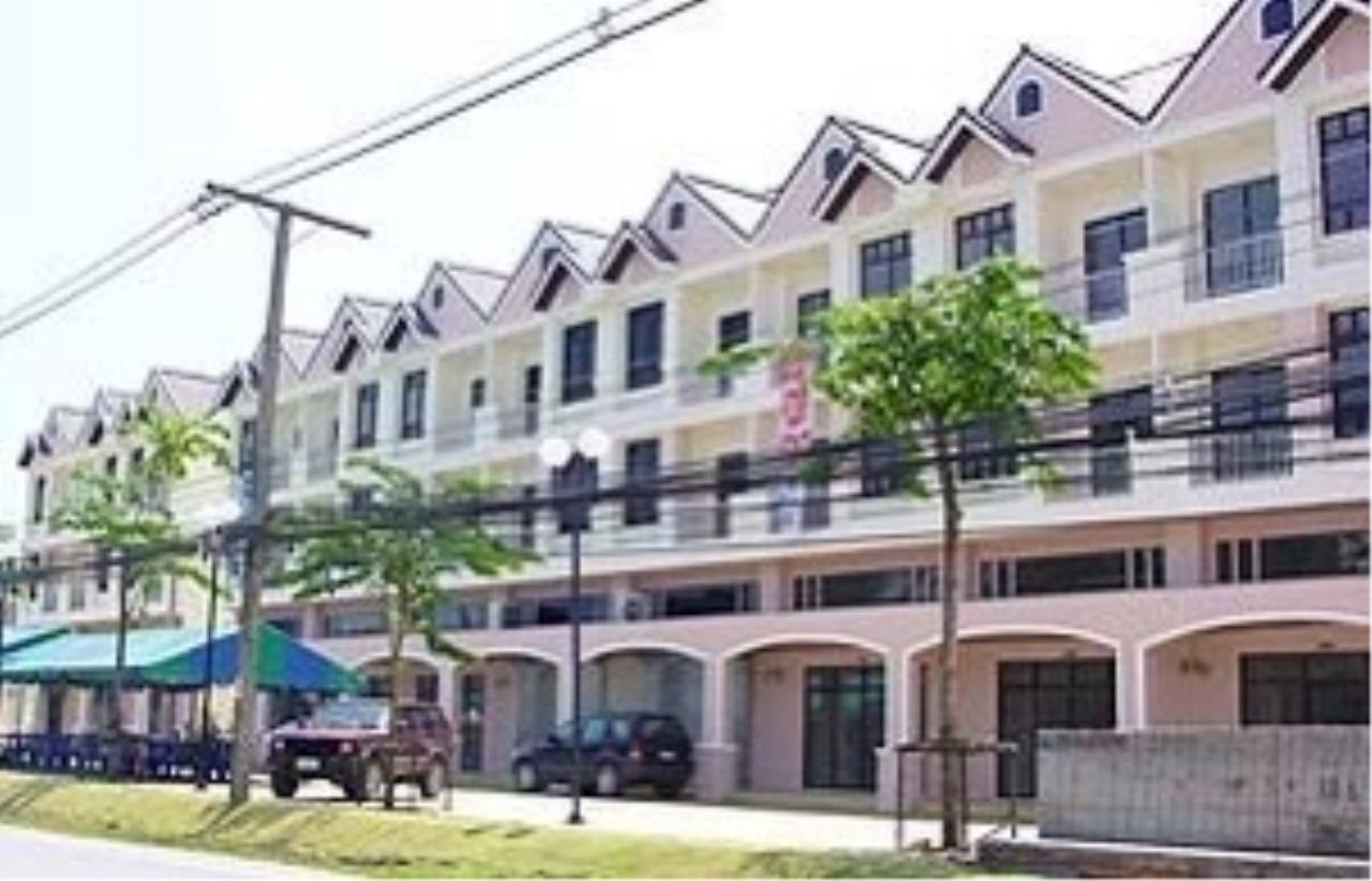 REAL Phuket  Agency's 4-Storey Shop House on Patak Road Kata 1