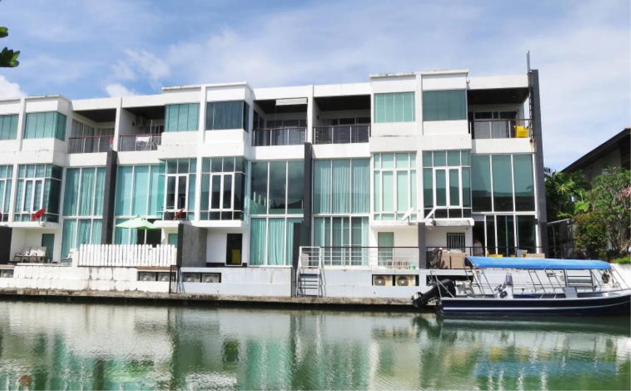 REAL Phuket  Agency's Boat Lagoon - Modern Waterfont 3-Bedroom Town Home 2