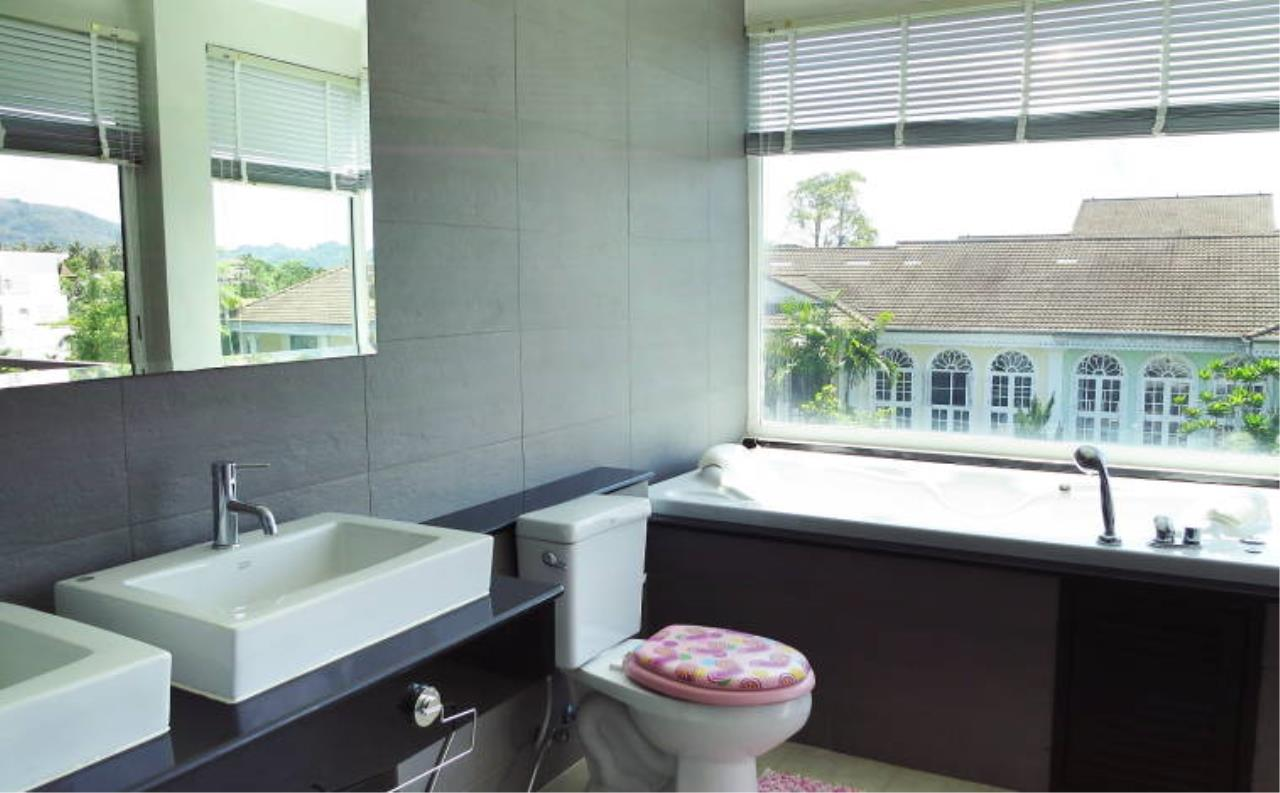 REAL Phuket  Agency's Boat Lagoon - Modern Waterfont 3-Bedroom Town Home 12