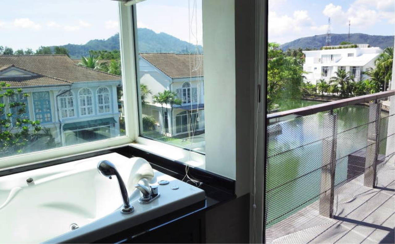 REAL Phuket  Agency's Boat Lagoon - Modern Waterfont 3-Bedroom Town Home 13