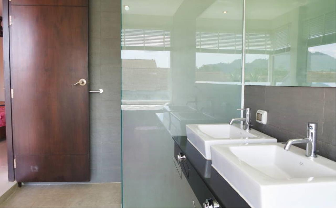 REAL Phuket  Agency's Boat Lagoon - Modern Waterfont 3-Bedroom Town Home 14