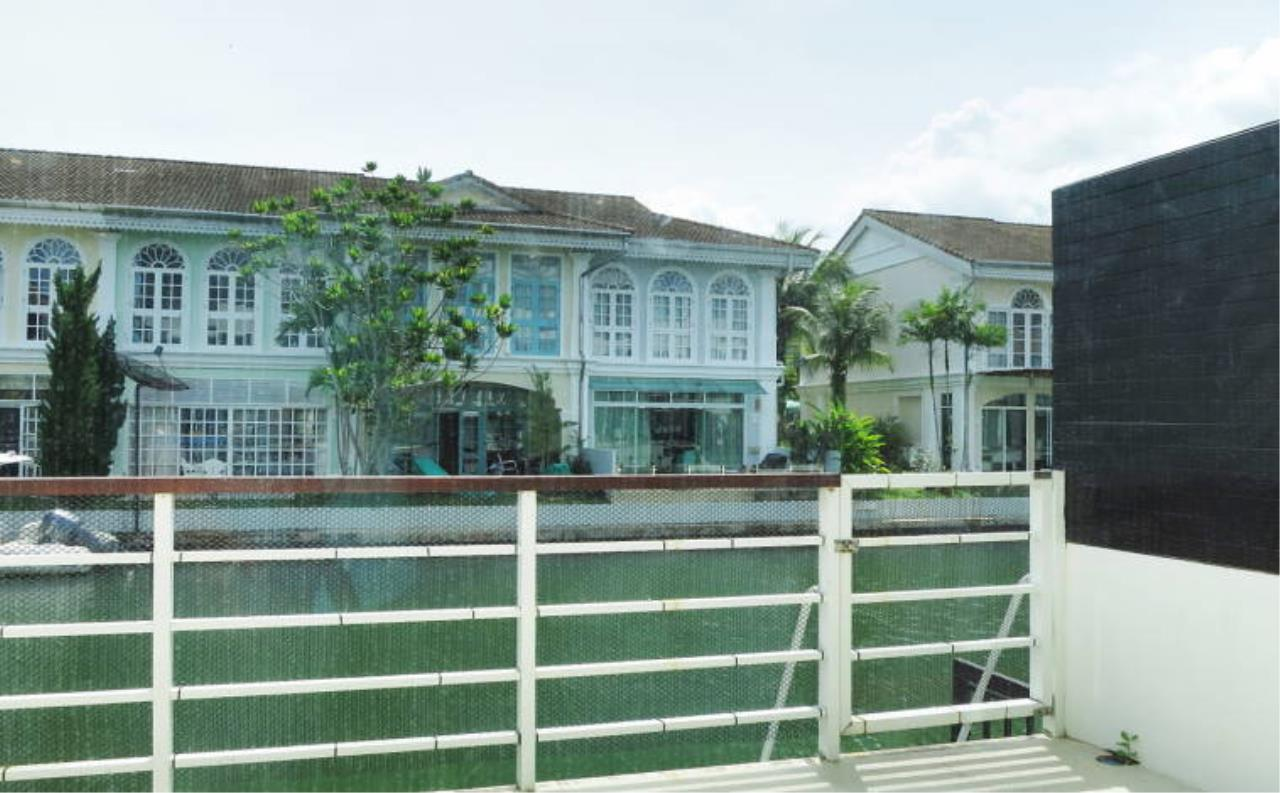REAL Phuket  Agency's Boat Lagoon - Modern Waterfont 3-Bedroom Town Home 19