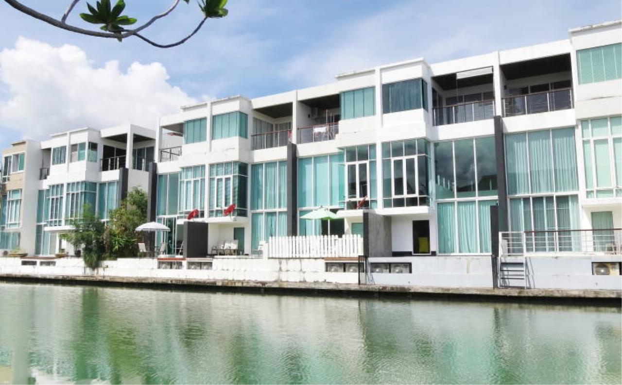 REAL Phuket  Agency's Boat Lagoon - Modern Waterfont 3-Bedroom Town Home 1