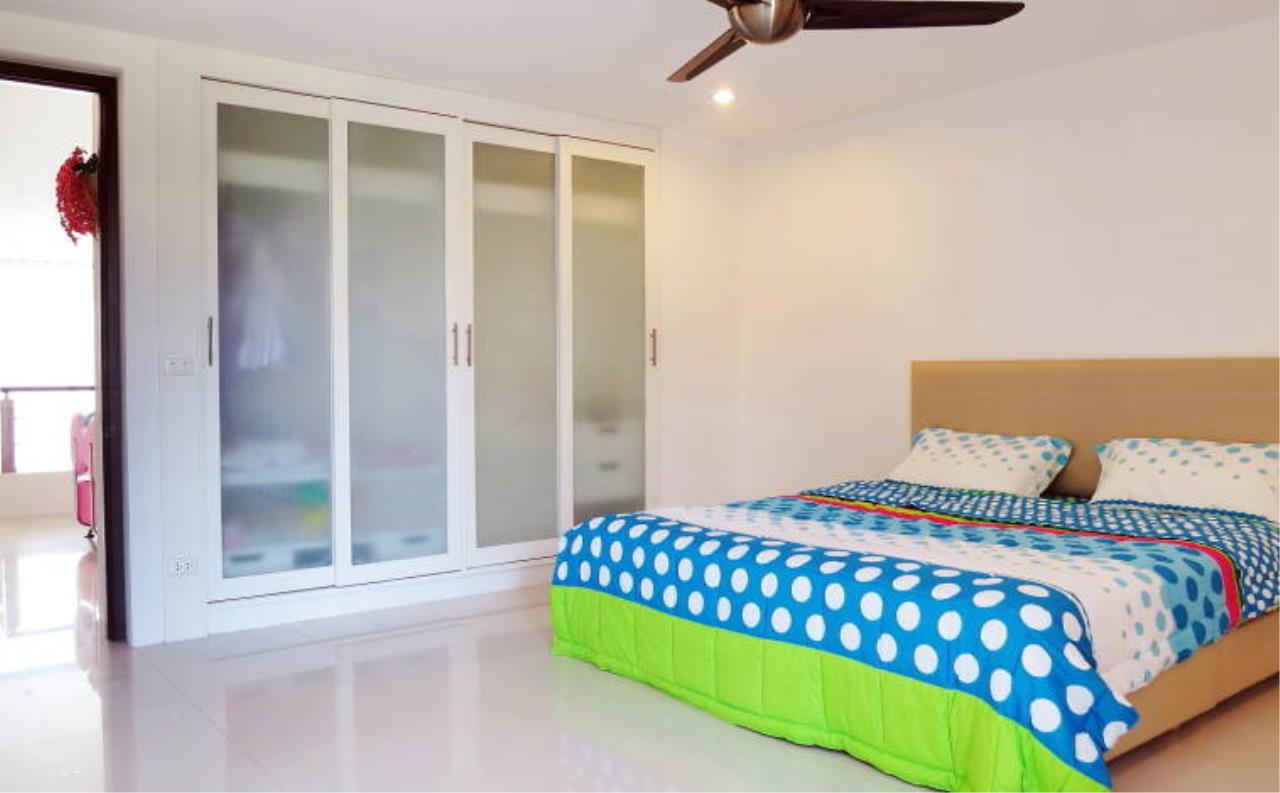 REAL Phuket  Agency's Boat Lagoon - Modern Waterfont 3-Bedroom Town Home 6