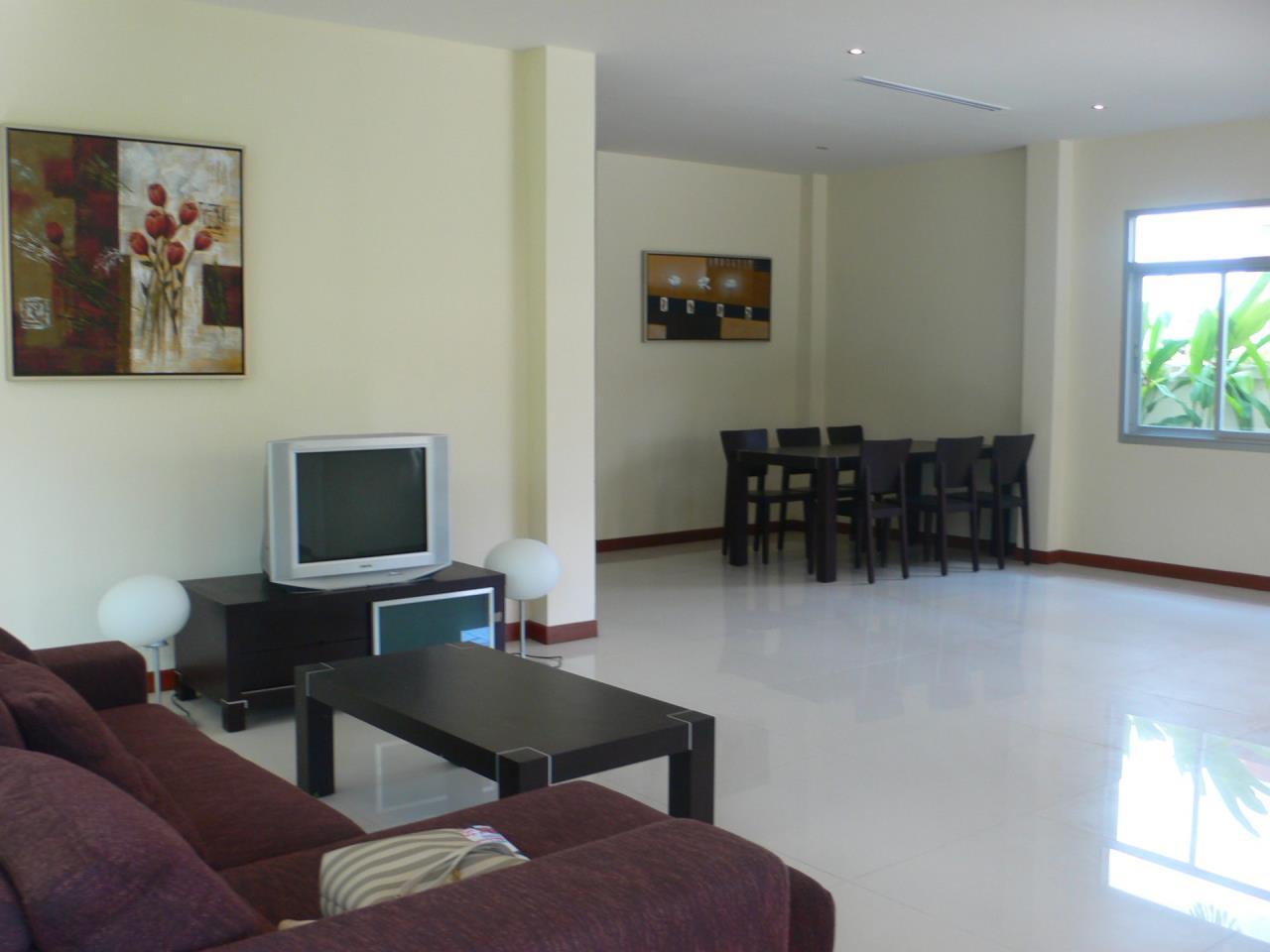 REAL Phuket  Agency's Phanason - Pleasant Semi-Detached 3-Bedroom House in Kathu 1