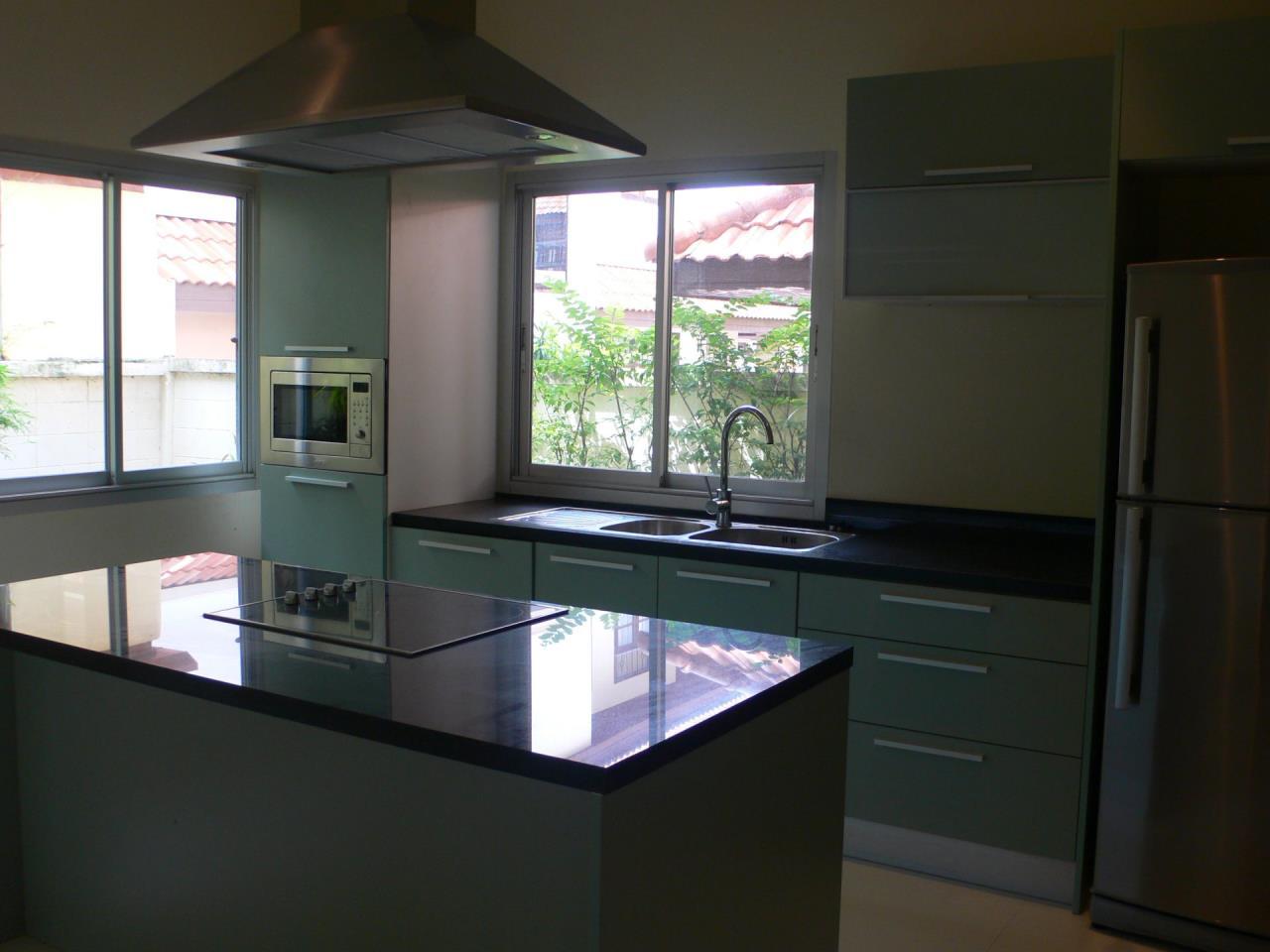 REAL Phuket  Agency's Phanason - Pleasant Semi-Detached 3-Bedroom House in Kathu 3