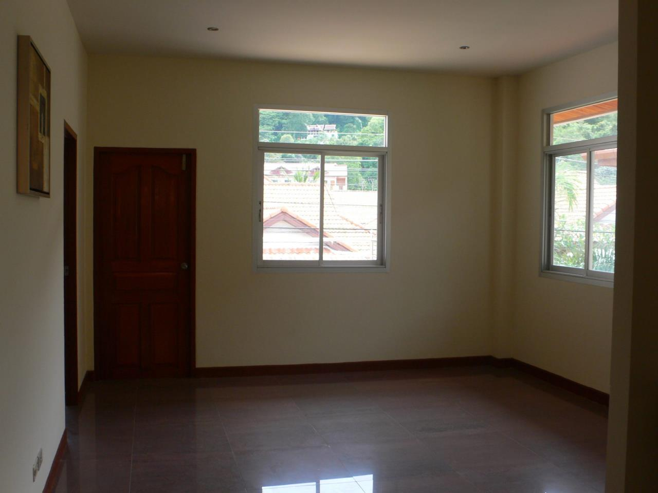 REAL Phuket  Agency's Phanason - Pleasant Semi-Detached 3-Bedroom House in Kathu 5