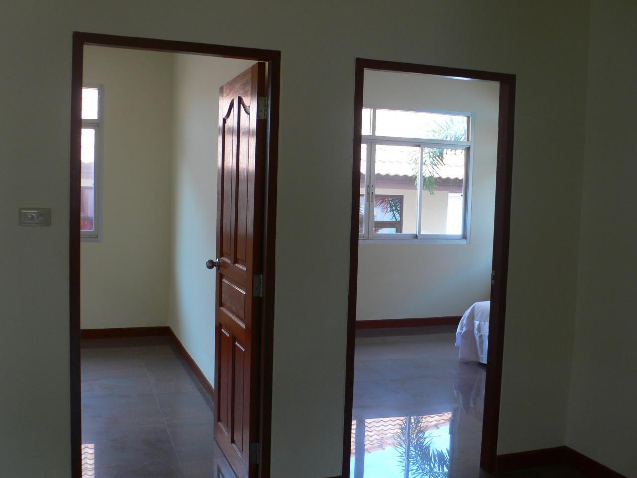 REAL Phuket  Agency's Phanason - Pleasant Semi-Detached 3-Bedroom House in Kathu 6