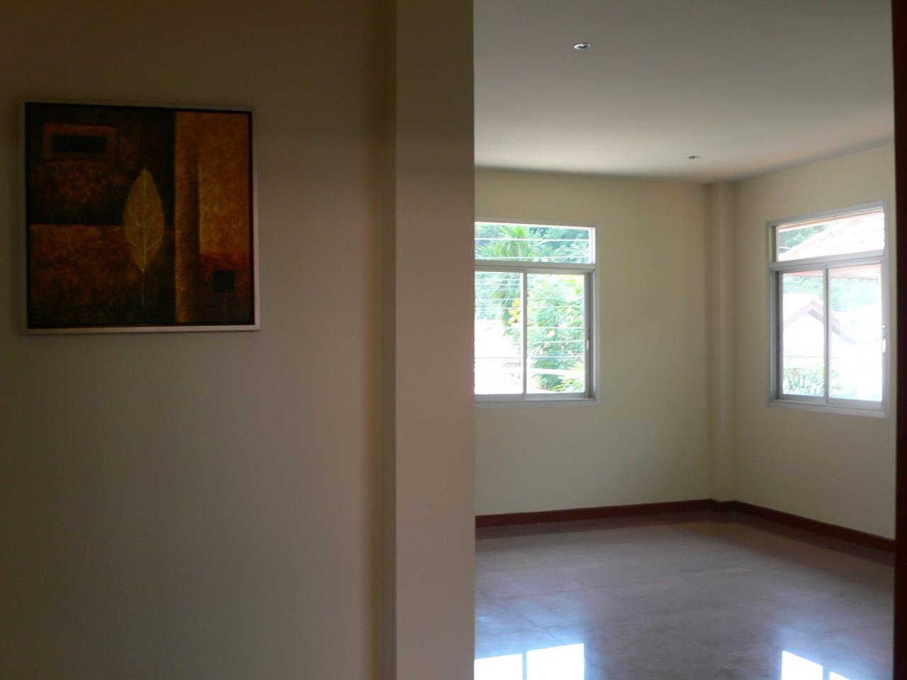 REAL Phuket  Agency's Phanason - Pleasant Semi-Detached 3-Bedroom House in Kathu 8
