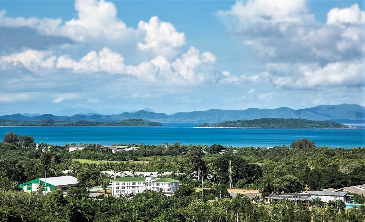 REAL Phuket  Agency's Yamu Hills Estate - Corner Plot of 1.24 Rai with Sea Views 1