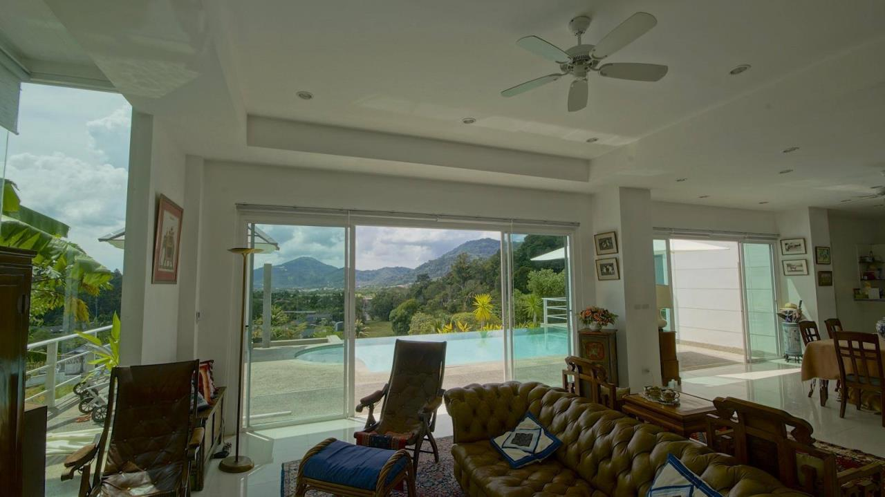 REAL Phuket  Agency's Botan Golf View - Modern 4-Bedroom Villa near Loch Palm Golf Course 7