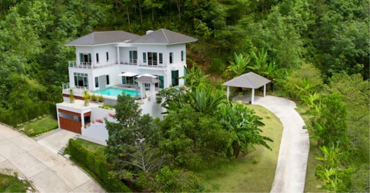 REAL Phuket  Agency's Botan Golf View - Modern 4-Bedroom Villa near Loch Palm Golf Course 12