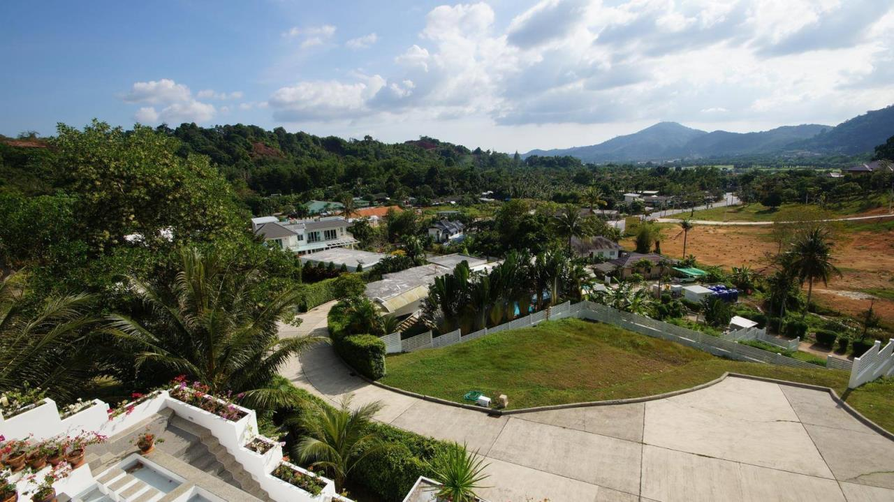 REAL Phuket  Agency's Botan Golf View - Modern 4-Bedroom Villa near Loch Palm Golf Course 18