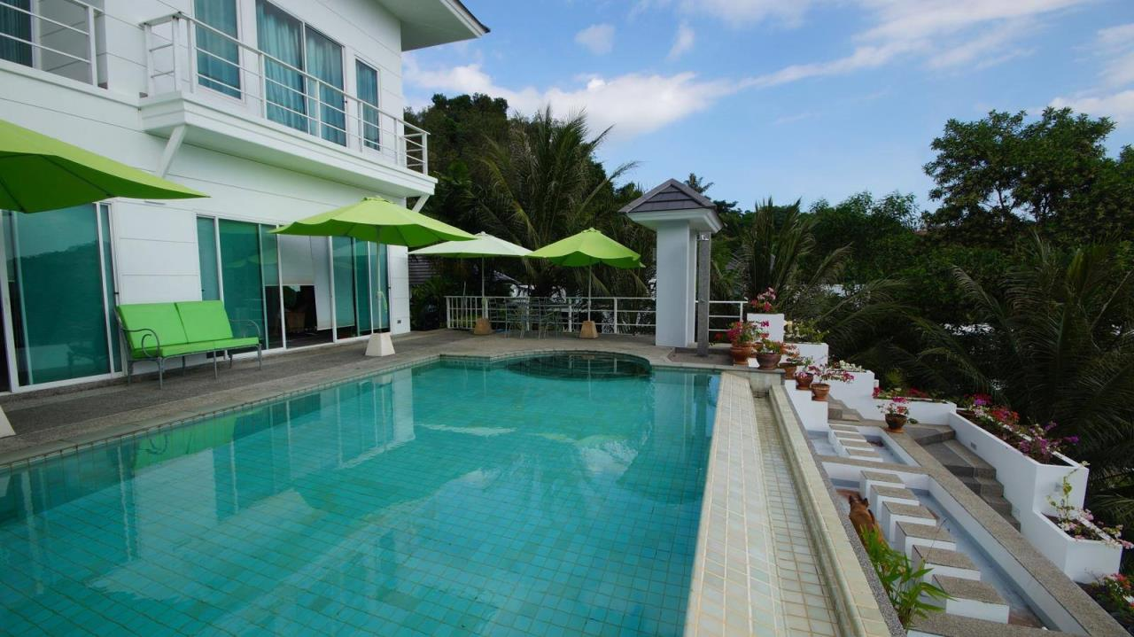 REAL Phuket  Agency's Botan Golf View - Modern 4-Bedroom Villa near Loch Palm Golf Course 1