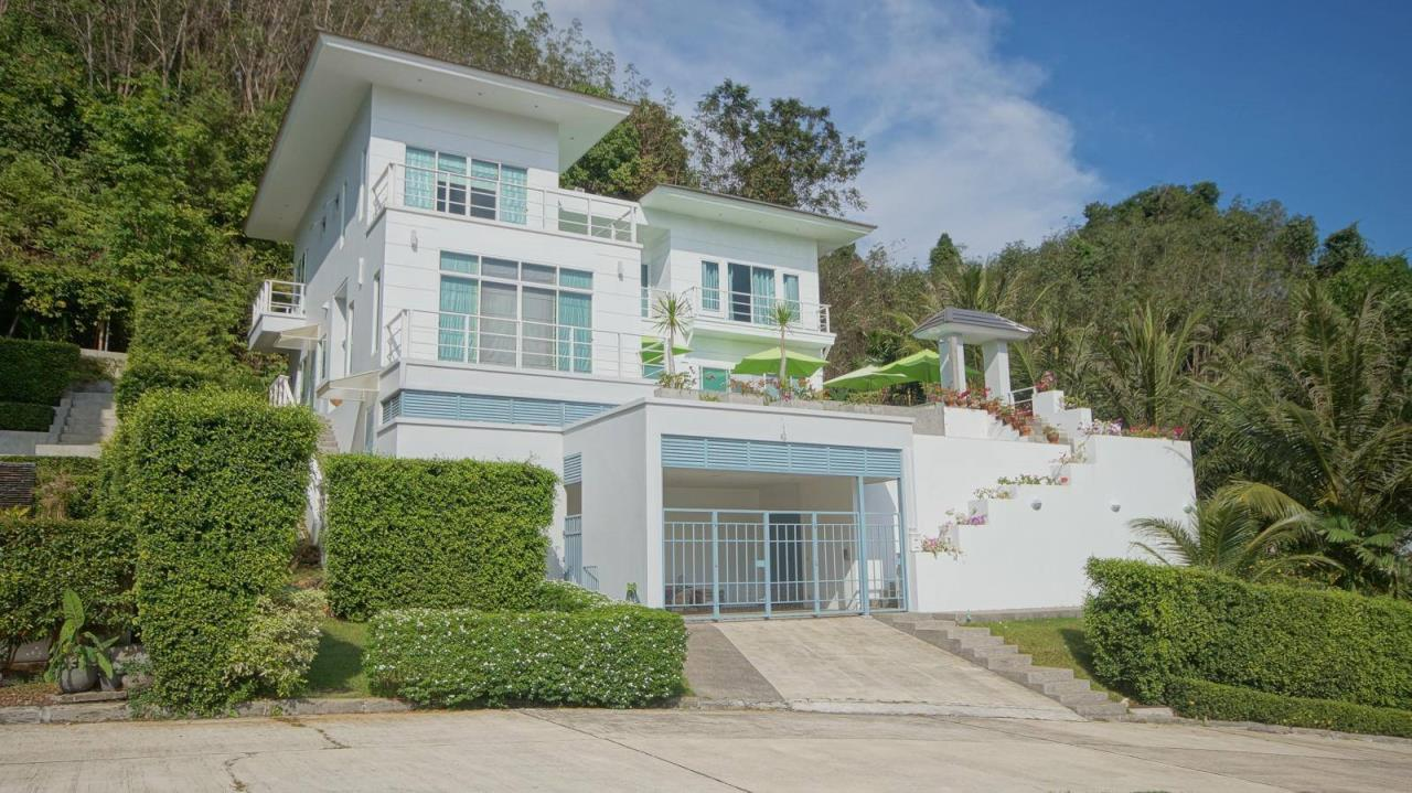 REAL Phuket  Agency's Botan Golf View - Modern 4-Bedroom Villa near Loch Palm Golf Course 19