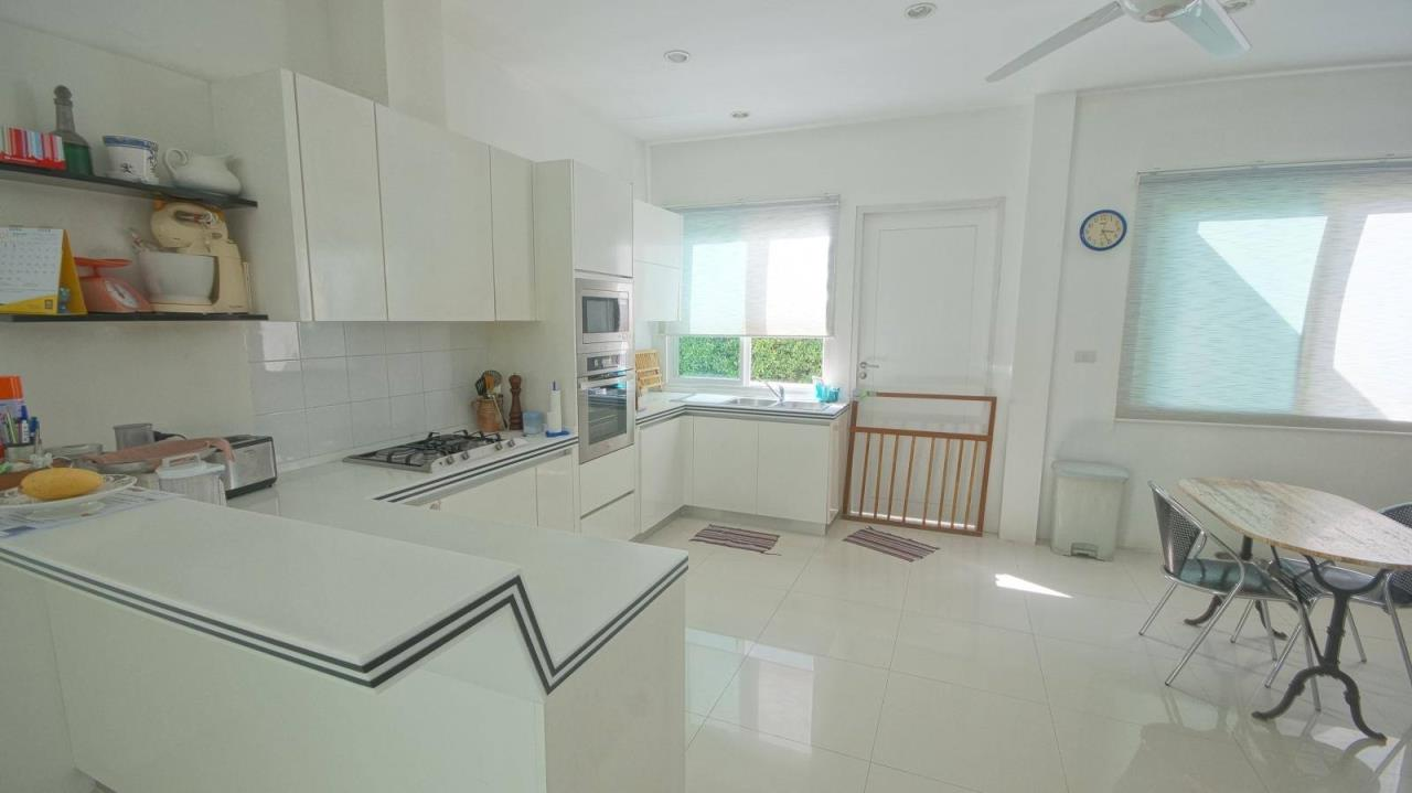 REAL Phuket  Agency's Botan Golf View - Modern 4-Bedroom Villa near Loch Palm Golf Course 20