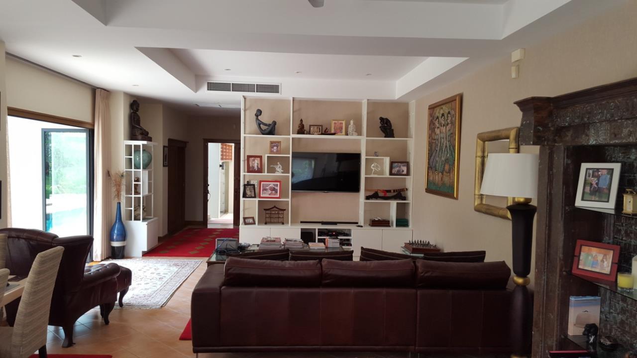 Real Phuket  Agency's Laguna Vista - Luxury 4-Bedroom Pool Villa 5