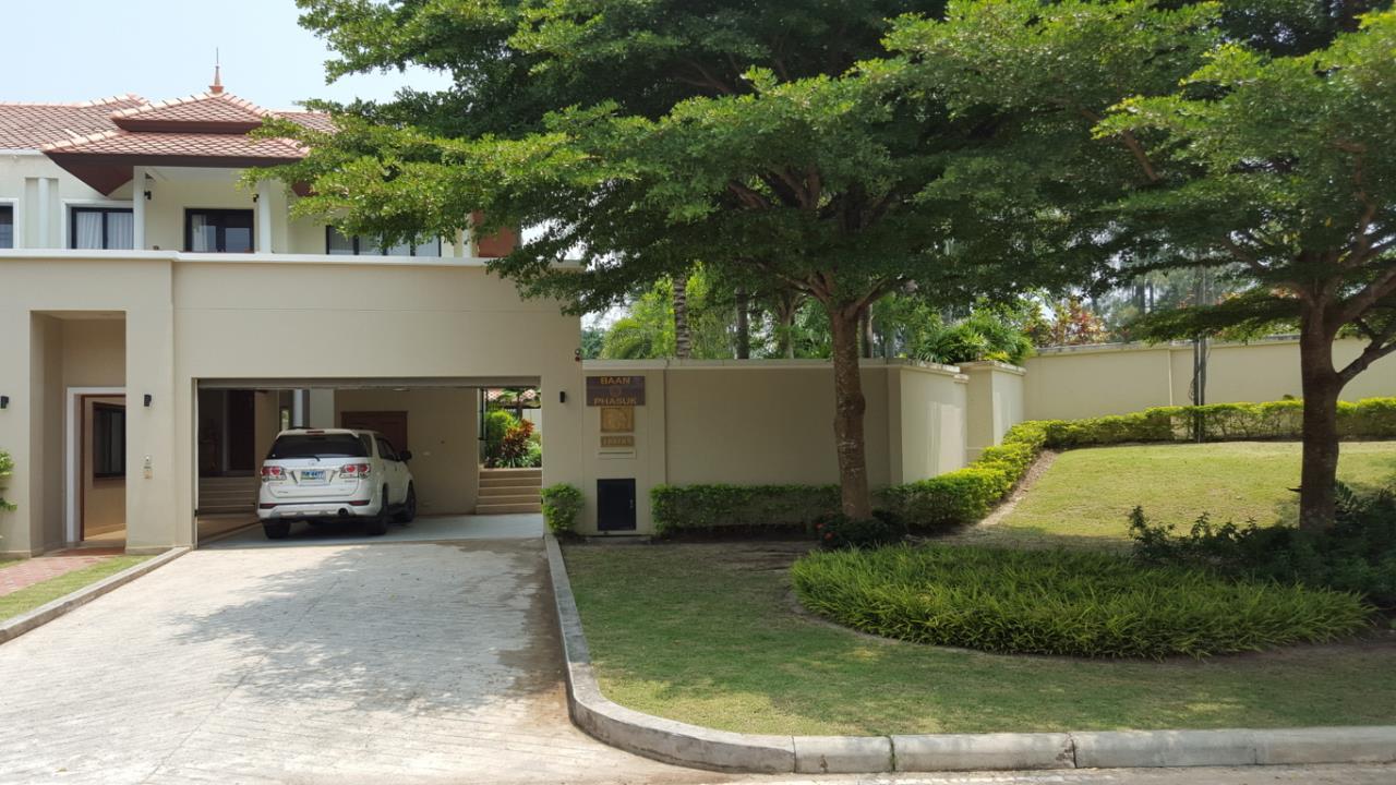 Real Phuket  Agency's Laguna Vista - Luxury 4-Bedroom Pool Villa 26