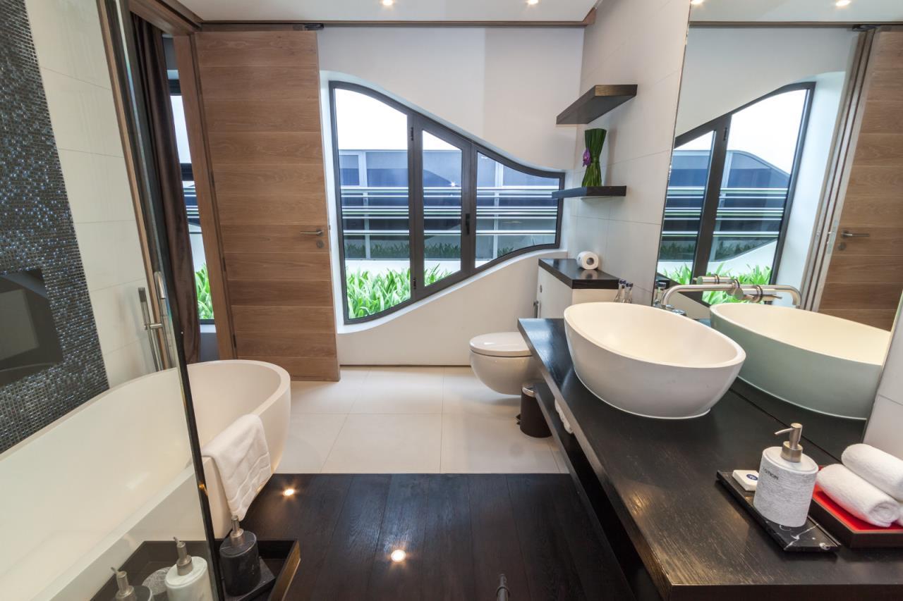 REAL Phuket  Agency's Kata Rocks - Award-winning 3-Bedroom Sky Duplex Villa 10
