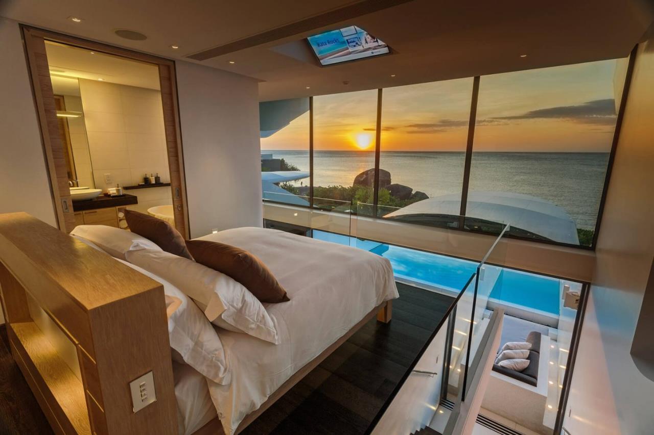 REAL Phuket  Agency's Kata Rocks - Award-winning 3-Bedroom Sky Duplex Villa 17
