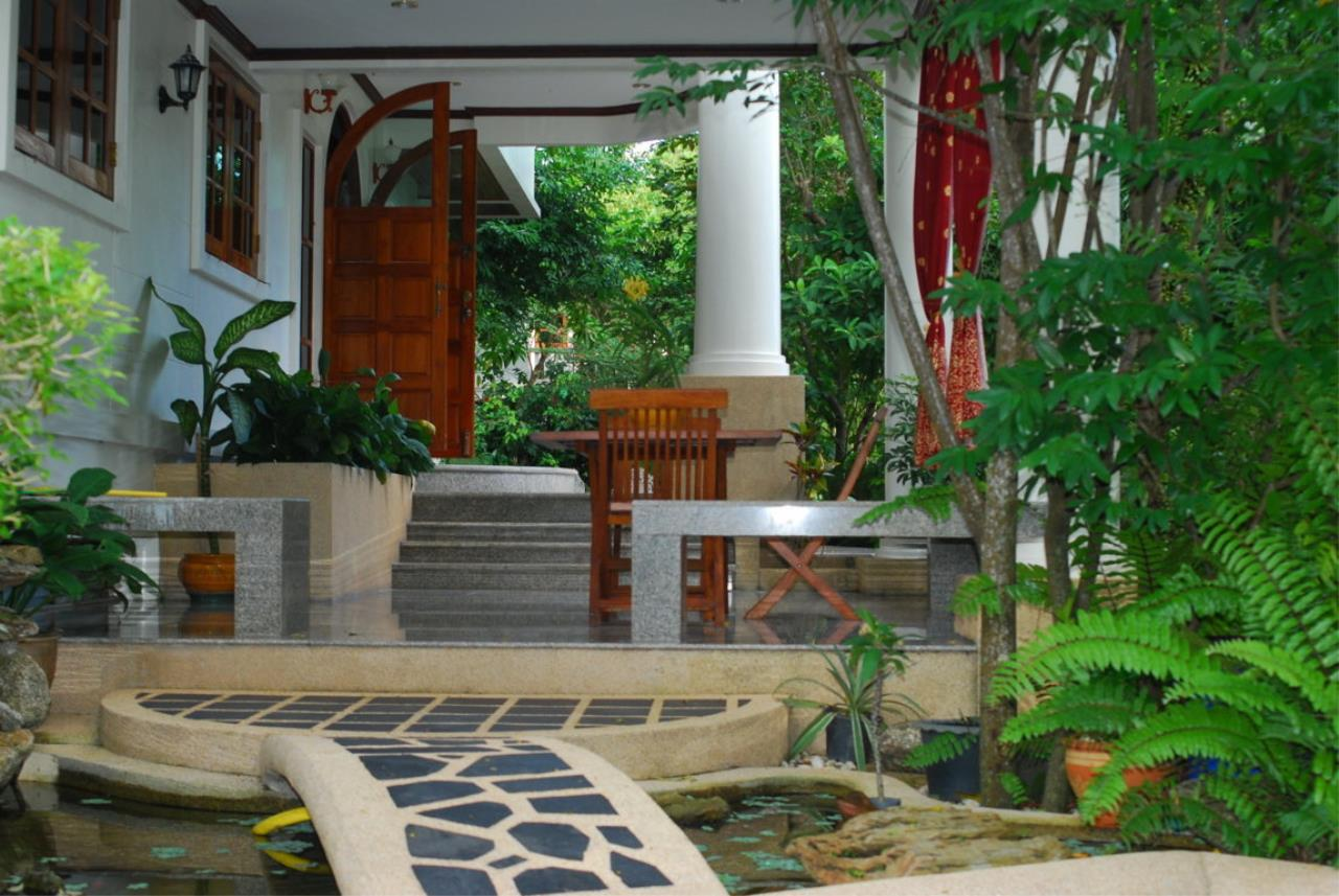 REAL Phuket  Agency's Tamata House - Luxurious 5-Bedroom Pool Villa in Great Condition 15