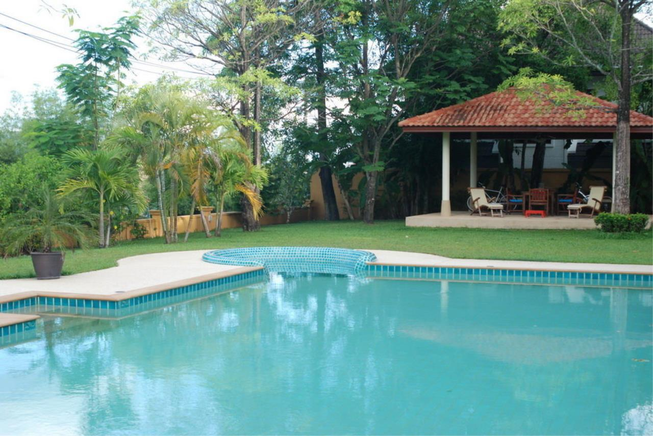 REAL Phuket  Agency's Tamata House - Luxurious 5-Bedroom Pool Villa in Great Condition 17