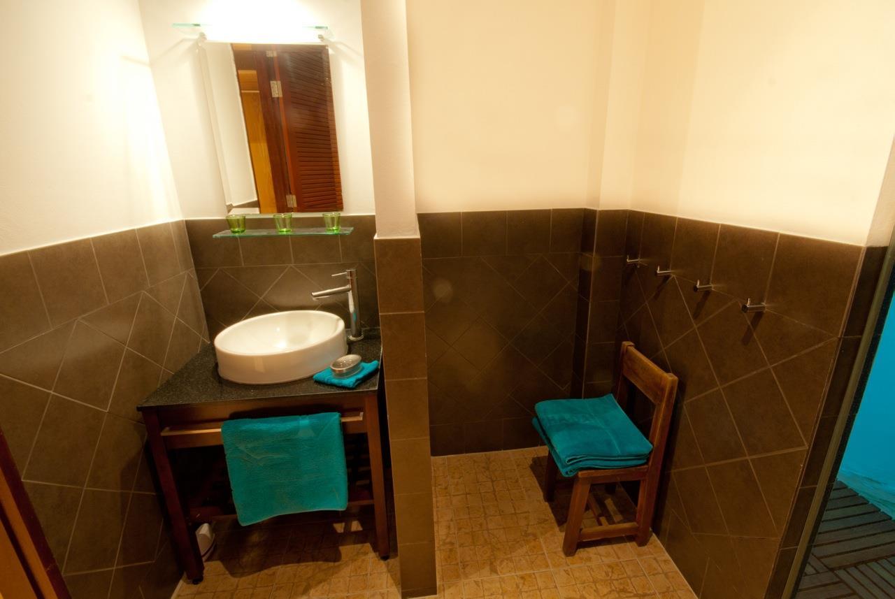 REAL Phuket  Agency's Samakee - Contemporary 3-Bedroom Pool Villa in Rawai 12
