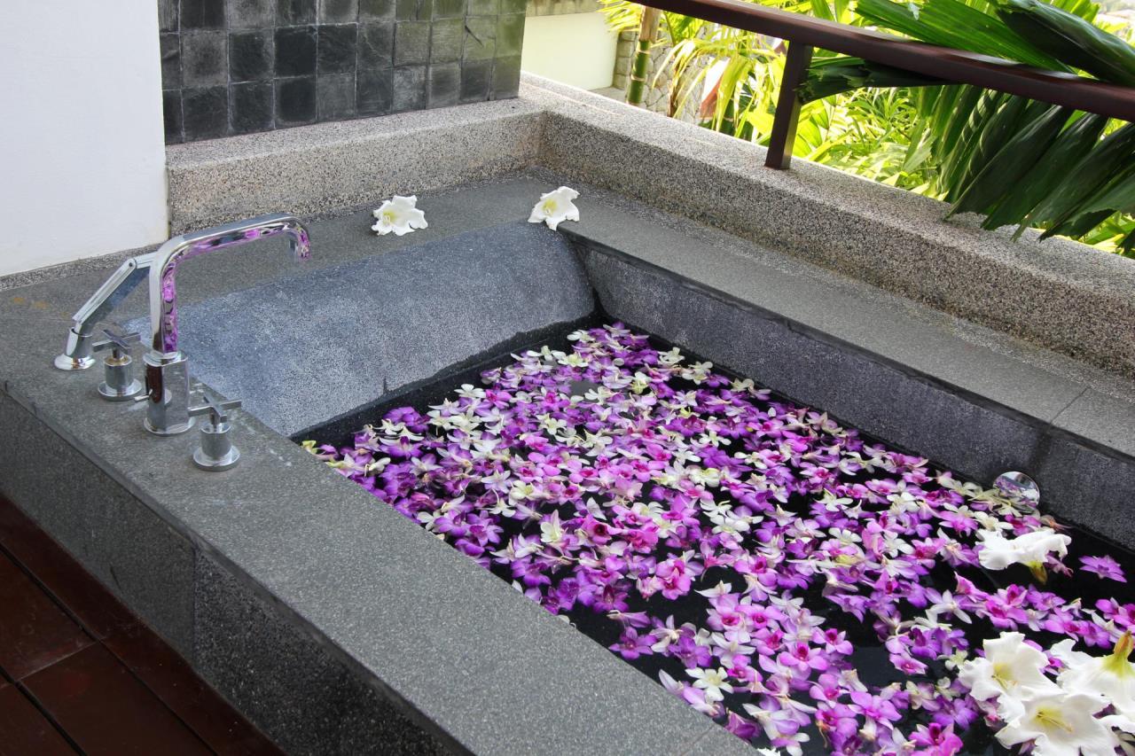 REAL Phuket  Agency's Yang Som - Breathtaking Sea View Villa overlooking Surin Bay 43