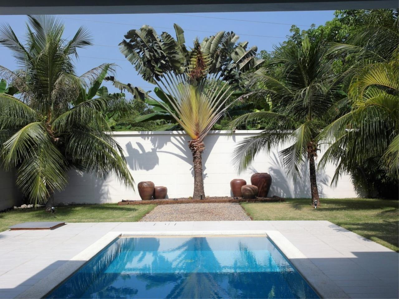 REAL Phuket  Agency's Pool Loft - Cool 1-Bedroom Pool Villa in Thalang 10