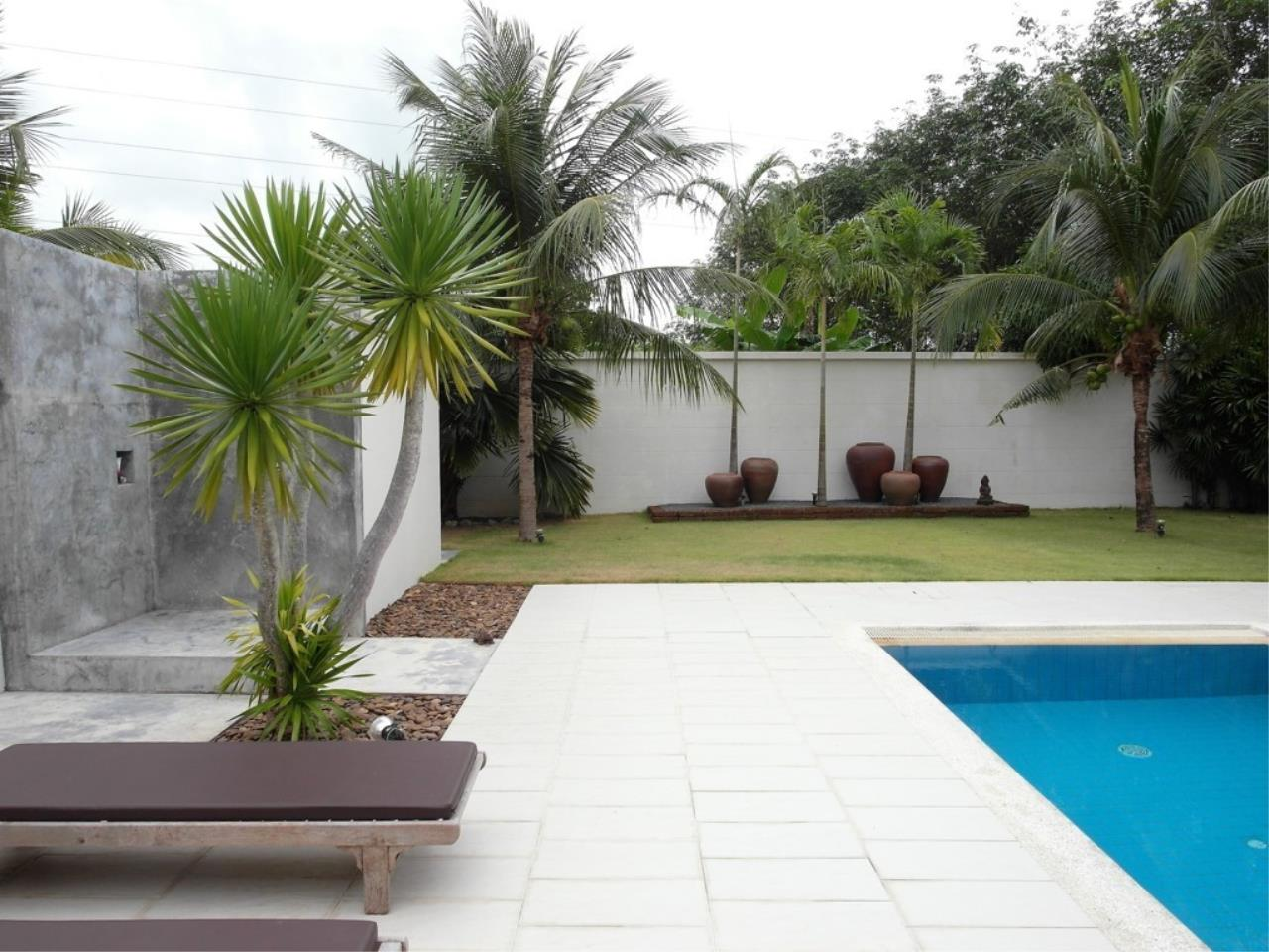 REAL Phuket  Agency's Pool Loft - Cool 1-Bedroom Pool Villa in Thalang 18