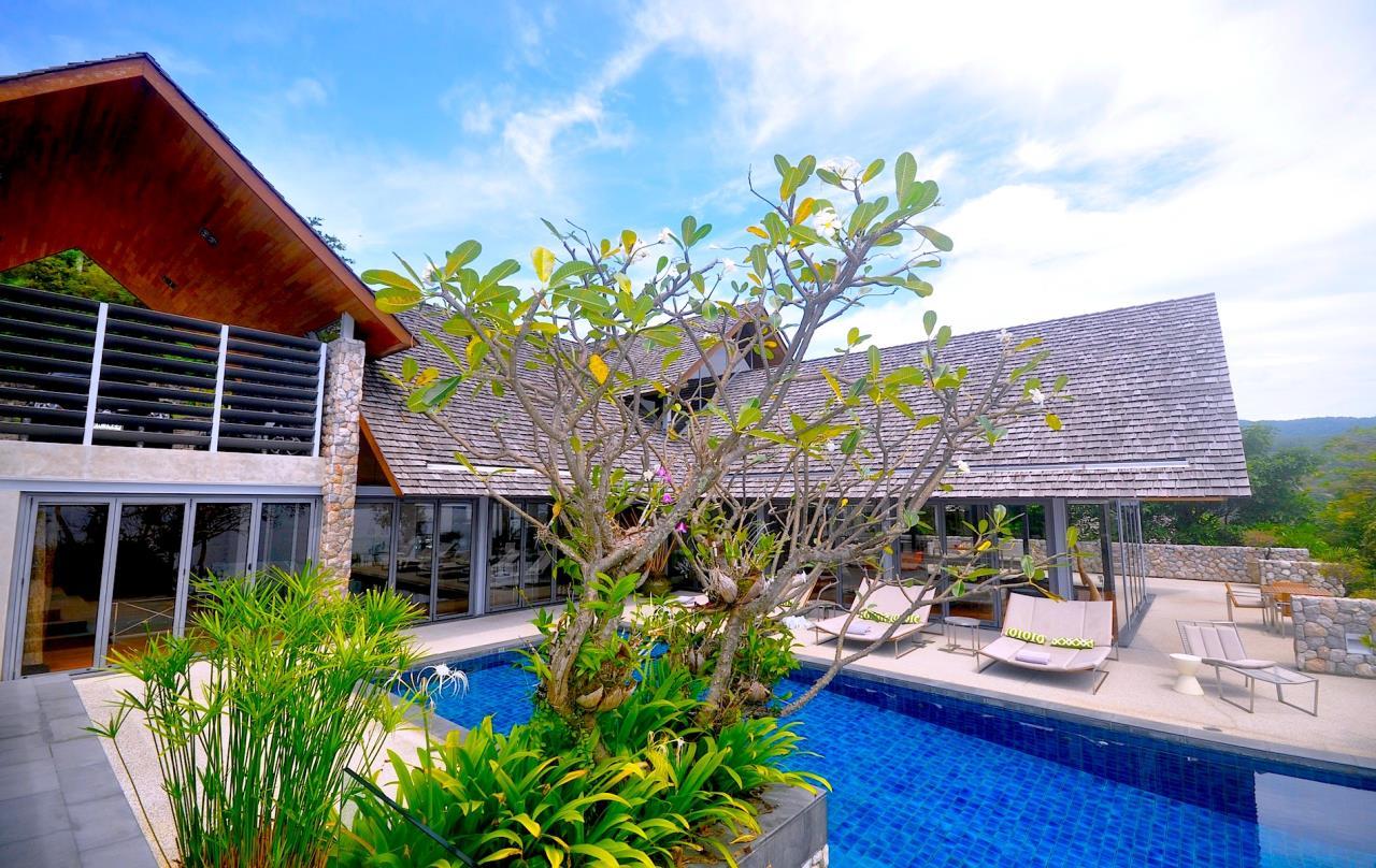 REAL Phuket  Agency's Samsara Estate - Contemporary 6-Bedroom Oceanfront Villa 3
