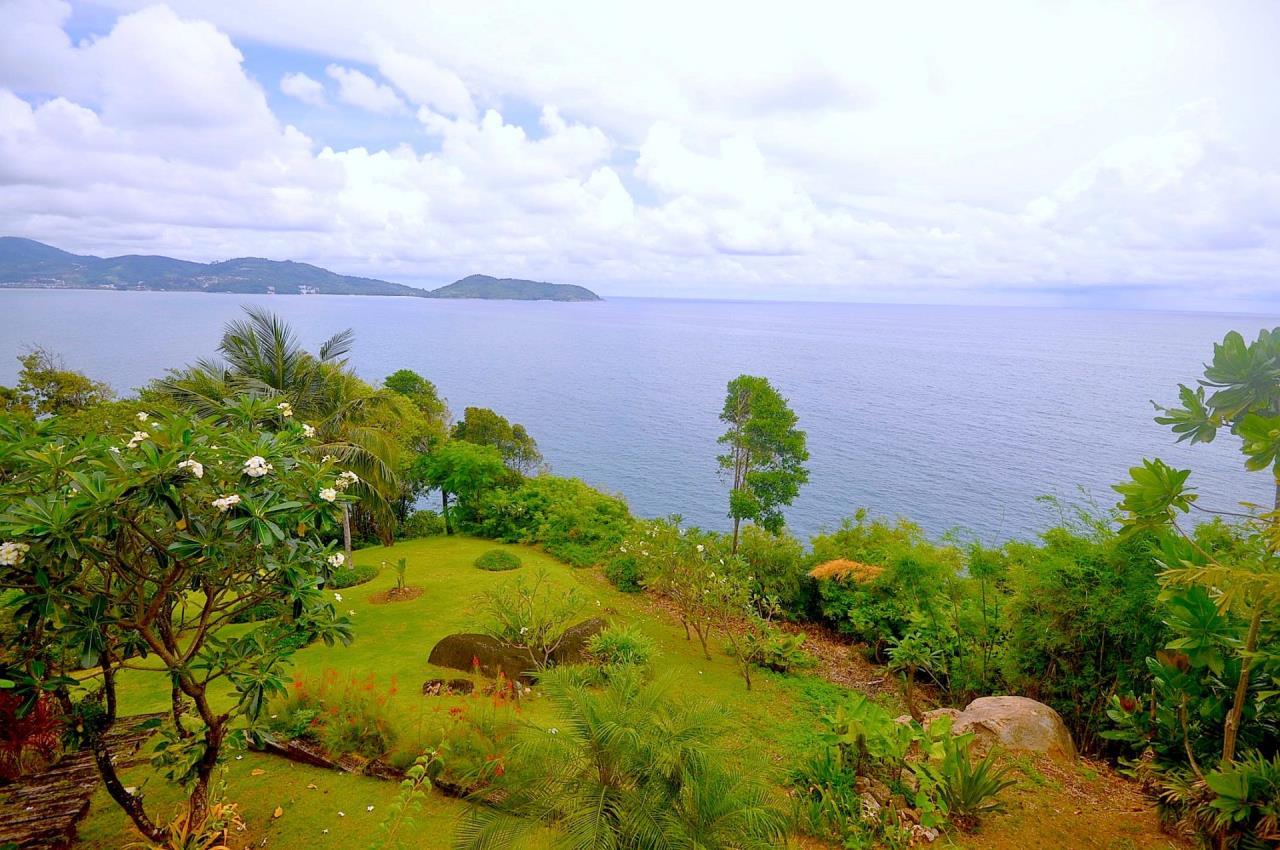 REAL Phuket  Agency's Samsara Estate - Contemporary 6-Bedroom Oceanfront Villa 13