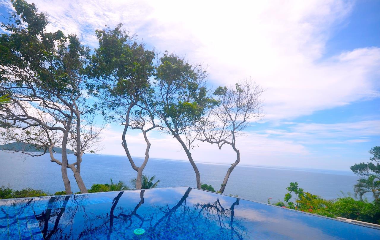 REAL Phuket  Agency's Samsara Estate - Contemporary 6-Bedroom Oceanfront Villa 25
