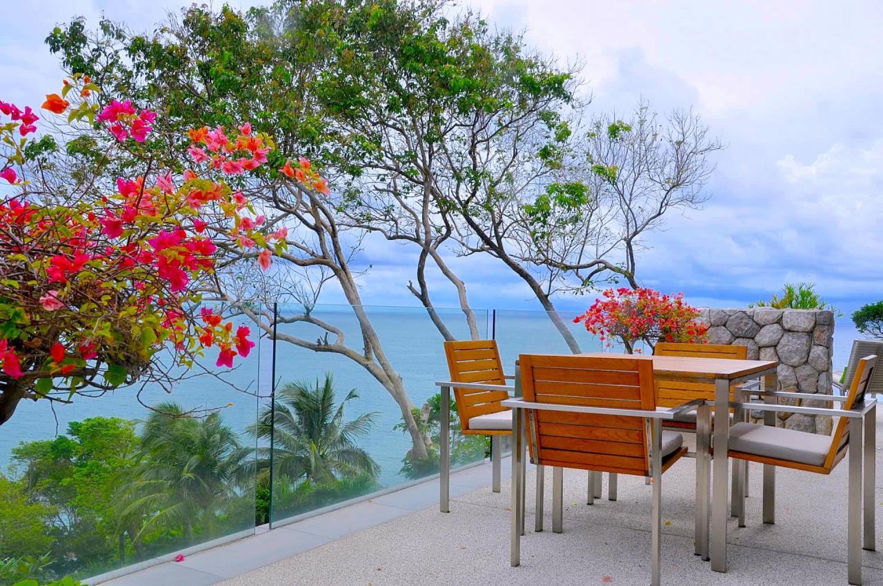 REAL Phuket  Agency's Samsara Estate - Contemporary 6-Bedroom Oceanfront Villa 44