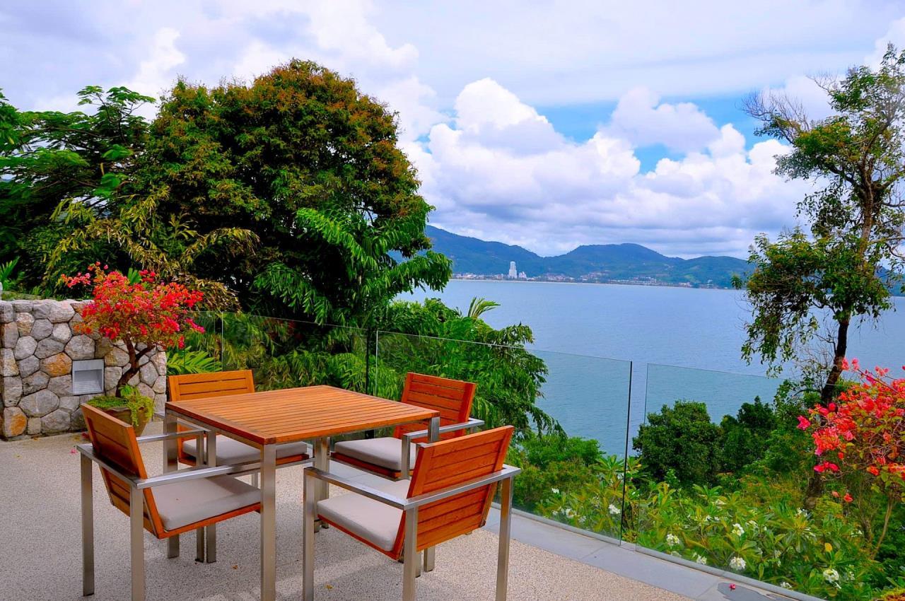 REAL Phuket  Agency's Samsara Estate - Contemporary 6-Bedroom Oceanfront Villa 45