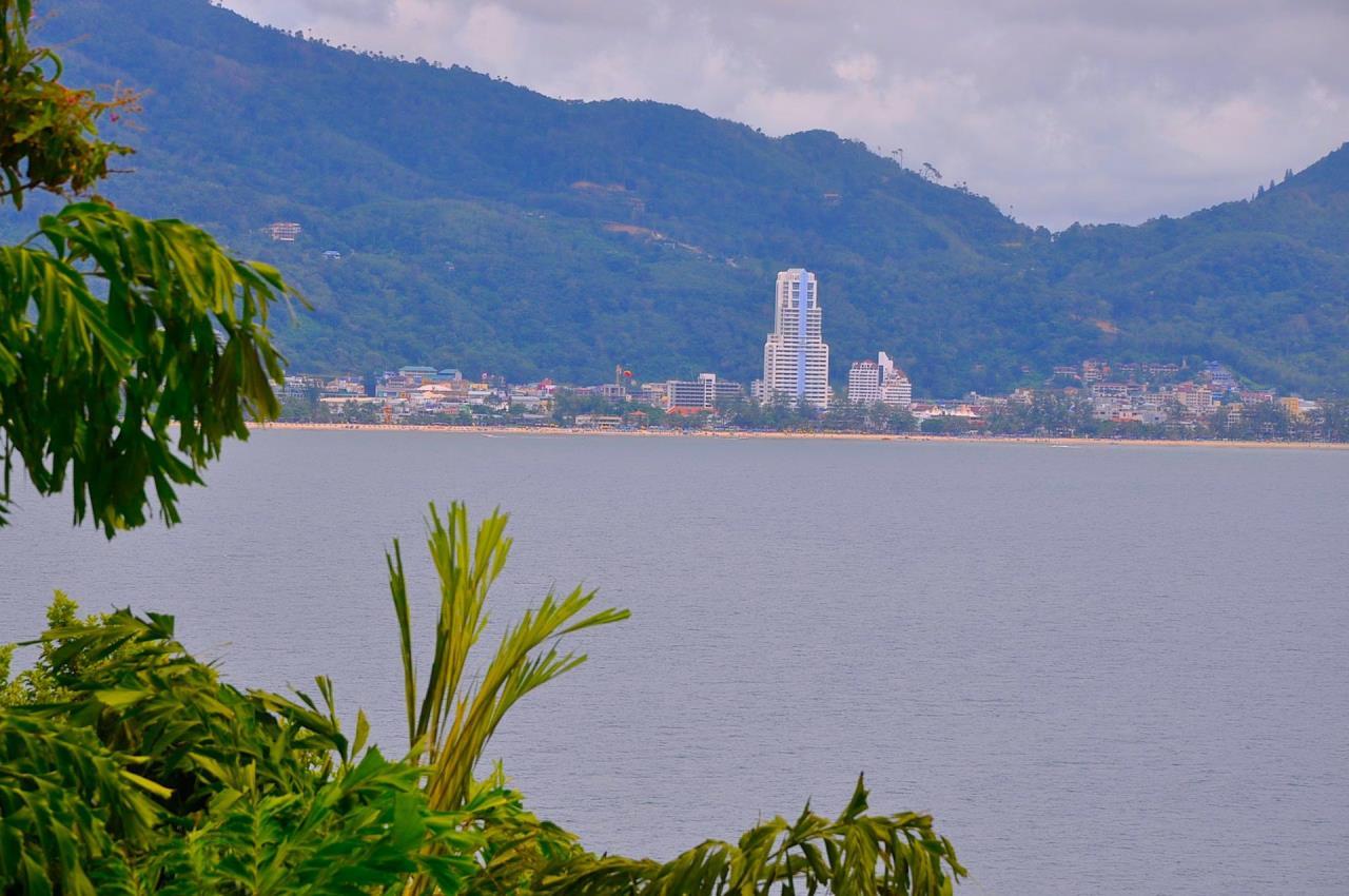 REAL Phuket  Agency's Samsara Estate - Contemporary 6-Bedroom Oceanfront Villa 47