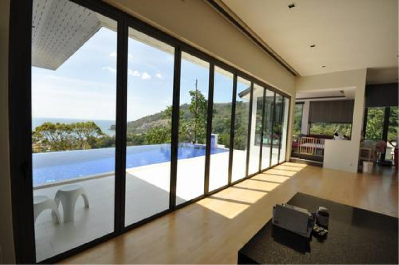 REAL Phuket  Agency's Outstanding 6-Bedroom Pool Villa Overlooking Patong Bay 10